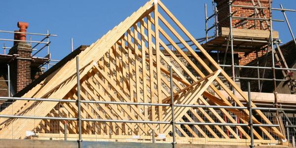 wooden-roof-frame